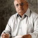 Founder Editor of Navrang Ruperi Mr Ashok Ujlambkar